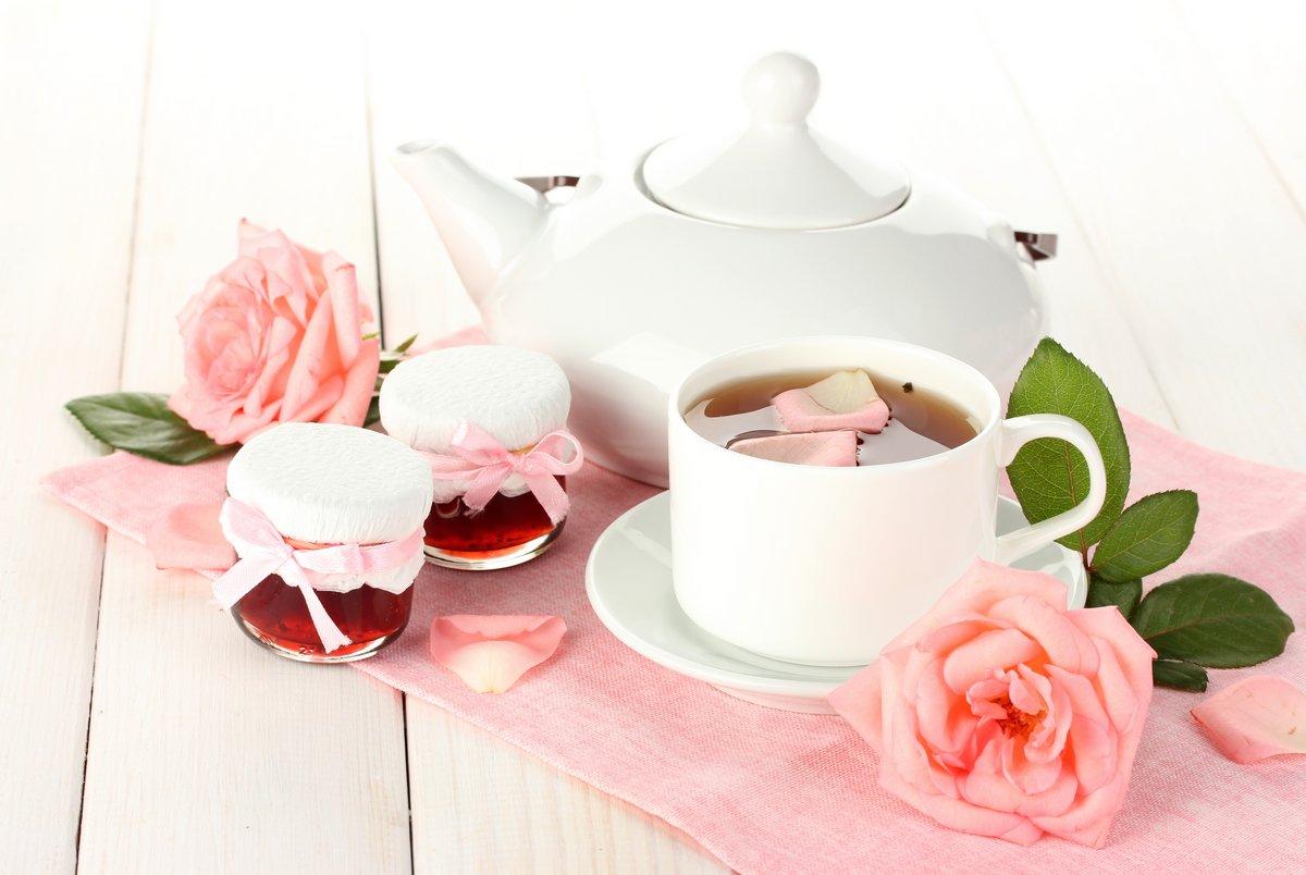 Чайник и чашка чая с розами и джем на белый деревянный стол, 30x20 см, на бумагеРозы<br>Постер на холсте или бумаге. Любого нужного вам размера. В раме или без. Подвес в комплекте. Трехслойная надежная упаковка. Доставим в любую точку России. Вам осталось только повесить картину на стену!<br>