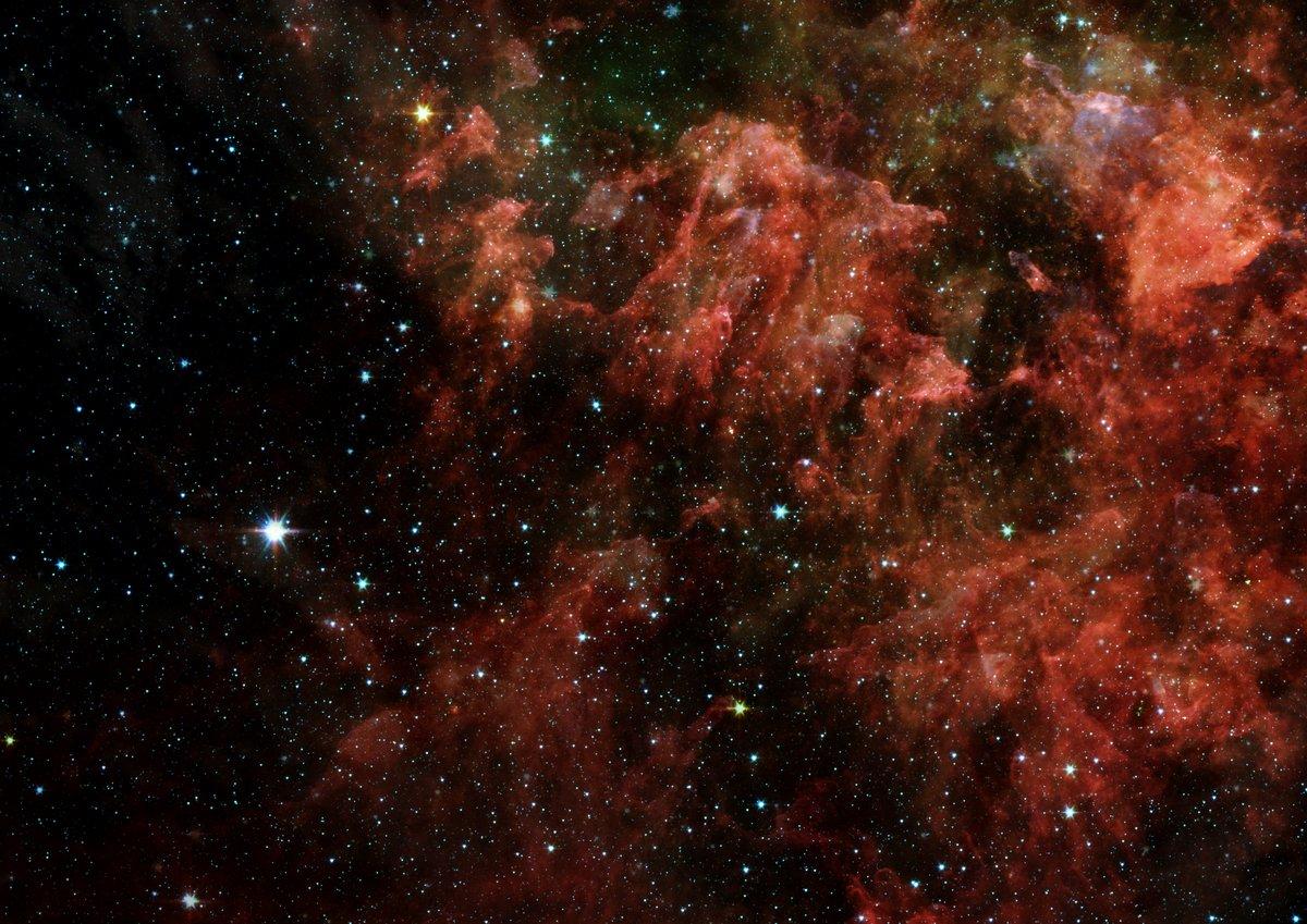 Постер Космос - разные постеры Далеко галактикиКосмос - разные постеры<br>Постер на холсте или бумаге. Любого нужного вам размера. В раме или без. Подвес в комплекте. Трехслойная надежная упаковка. Доставим в любую точку России. Вам осталось только повесить картину на стену!<br>