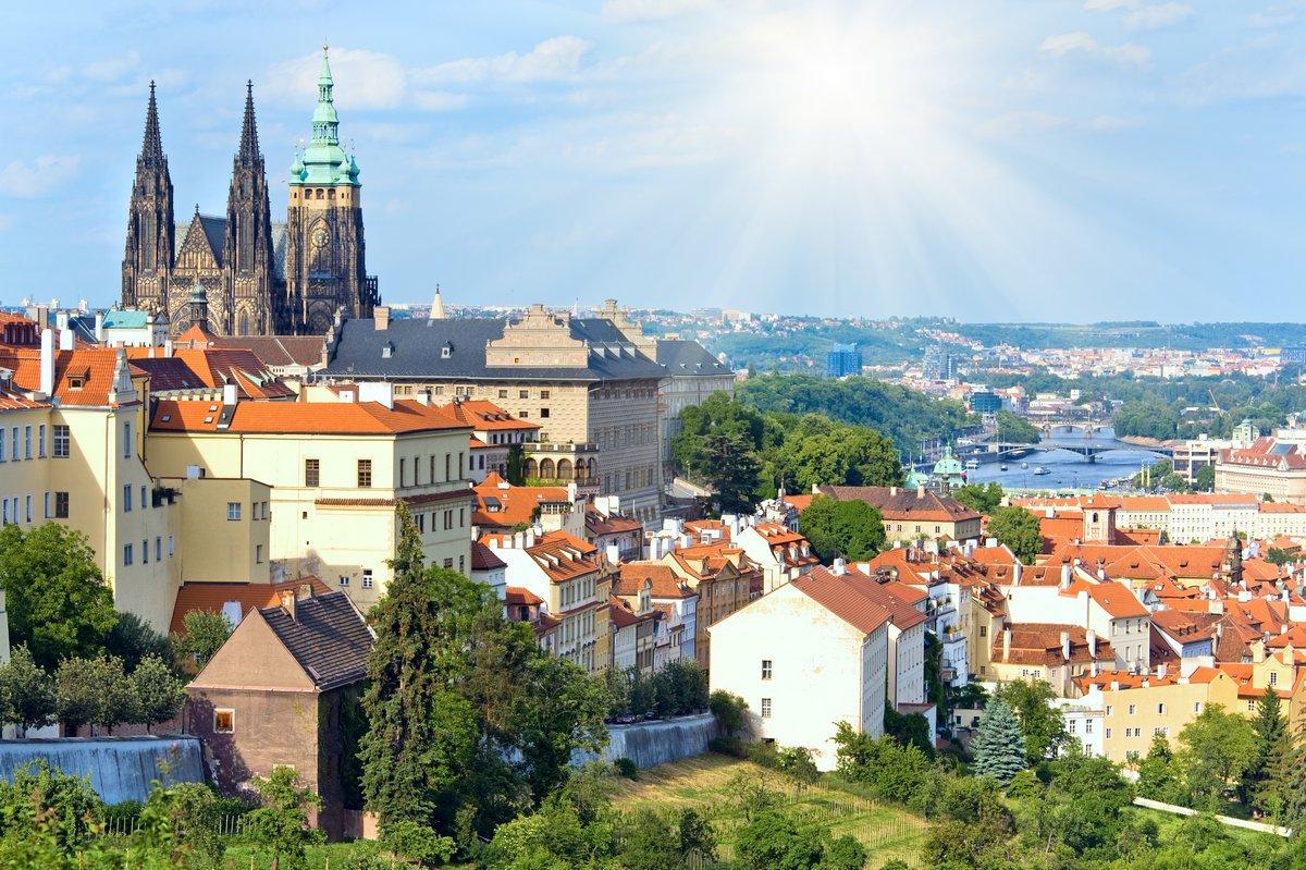 Постер Прага Прага, Чешская РеспубликаПрага<br>Постер на холсте или бумаге. Любого нужного вам размера. В раме или без. Подвес в комплекте. Трехслойная надежная упаковка. Доставим в любую точку России. Вам осталось только повесить картину на стену!<br>