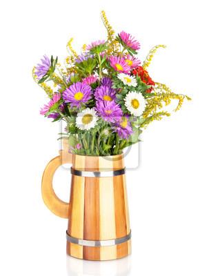 Постер Астры Астры цветы букет в вазу, изолированных на беломАстры<br>Постер на холсте или бумаге. Любого нужного вам размера. В раме или без. Подвес в комплекте. Трехслойная надежная упаковка. Доставим в любую точку России. Вам осталось только повесить картину на стену!<br>