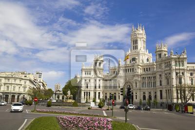 Постер Испания Plaza de Cibeles в Мадриде, Испания.Испания<br>Постер на холсте или бумаге. Любого нужного вам размера. В раме или без. Подвес в комплекте. Трехслойная надежная упаковка. Доставим в любую точку России. Вам осталось только повесить картину на стену!<br>