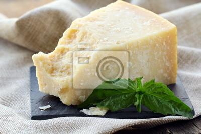 Сыр пармезан - твердый итальянский сыр, 30x20 см, на бумагеСыр<br>Постер на холсте или бумаге. Любого нужного вам размера. В раме или без. Подвес в комплекте. Трехслойная надежная упаковка. Доставим в любую точку России. Вам осталось только повесить картину на стену!<br>