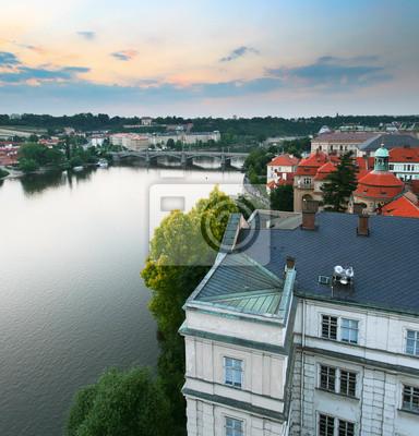 Постер Прага Прага на закатПрага<br>Постер на холсте или бумаге. Любого нужного вам размера. В раме или без. Подвес в комплекте. Трехслойная надежная упаковка. Доставим в любую точку России. Вам осталось только повесить картину на стену!<br>
