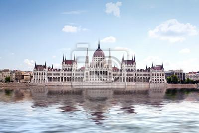 Постер Венгрия Парламент Венгрии в БудапештеВенгрия<br>Постер на холсте или бумаге. Любого нужного вам размера. В раме или без. Подвес в комплекте. Трехслойная надежная упаковка. Доставим в любую точку России. Вам осталось только повесить картину на стену!<br>