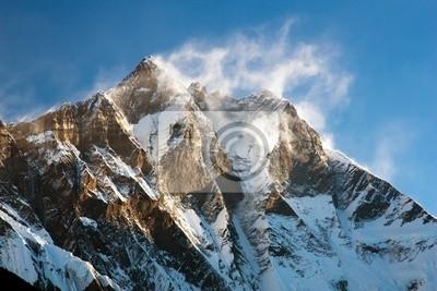 Постер Непал Вечерний вид на Лхотзе с windstrom снег и облакаНепал<br>Постер на холсте или бумаге. Любого нужного вам размера. В раме или без. Подвес в комплекте. Трехслойная надежная упаковка. Доставим в любую точку России. Вам осталось только повесить картину на стену!<br>
