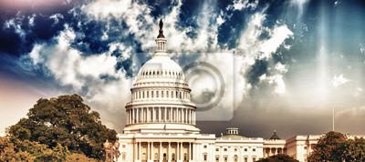 Постер Вашингтон Вашингтон, Капитолий с Неба и Растительности, 45x20 см, на бумагеВашингтон<br>Постер на холсте или бумаге. Любого нужного вам размера. В раме или без. Подвес в комплекте. Трехслойная надежная упаковка. Доставим в любую точку России. Вам осталось только повесить картину на стену!<br>