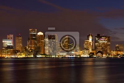 Постер Бостон Бостон горизонта, ночью, с Востока Бостон, штат МассачусетсБостон<br>Постер на холсте или бумаге. Любого нужного вам размера. В раме или без. Подвес в комплекте. Трехслойная надежная упаковка. Доставим в любую точку России. Вам осталось только повесить картину на стену!<br>