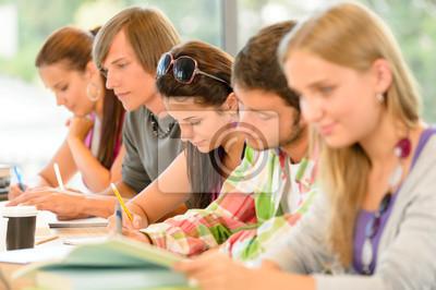 Постер Образование Студенты писали на школьный экзамен подростков исследованияОбразование<br>Постер на холсте или бумаге. Любого нужного вам размера. В раме или без. Подвес в комплекте. Трехслойная надежная упаковка. Доставим в любую точку России. Вам осталось только повесить картину на стену!<br>