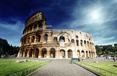 Постер Рим Колизей в Риме, ИталияРим<br>Постер на холсте или бумаге. Любого нужного вам размера. В раме или без. Подвес в комплекте. Трехслойная надежная упаковка. Доставим в любую точку России. Вам осталось только повесить картину на стену!<br>