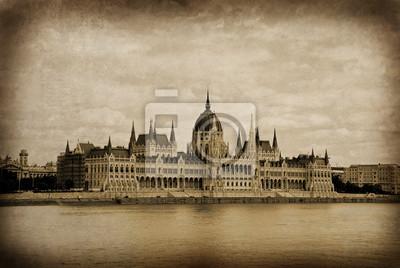 Постер Будапешт Будапешт - венгерского парламента - старые открытки эффектБудапешт<br>Постер на холсте или бумаге. Любого нужного вам размера. В раме или без. Подвес в комплекте. Трехслойная надежная упаковка. Доставим в любую точку России. Вам осталось только повесить картину на стену!<br>