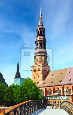 Постер Гамбург ГамбургГамбург<br>Постер на холсте или бумаге. Любого нужного вам размера. В раме или без. Подвес в комплекте. Трехслойная надежная упаковка. Доставим в любую точку России. Вам осталось только повесить картину на стену!<br>