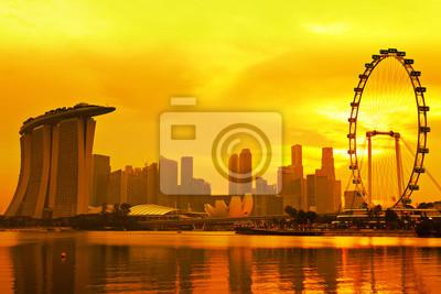 Постер Сингапур Сингапур skyline с золотой закатСингапур<br>Постер на холсте или бумаге. Любого нужного вам размера. В раме или без. Подвес в комплекте. Трехслойная надежная упаковка. Доставим в любую точку России. Вам осталось только повесить картину на стену!<br>