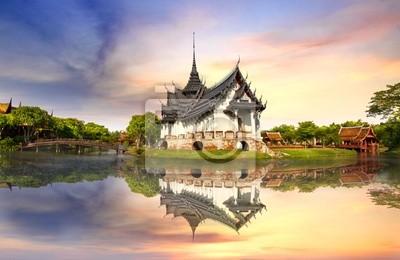 Постер Таиланд Sanphet Prasat Дворец, ТаиландТаиланд<br>Постер на холсте или бумаге. Любого нужного вам размера. В раме или без. Подвес в комплекте. Трехслойная надежная упаковка. Доставим в любую точку России. Вам осталось только повесить картину на стену!<br>