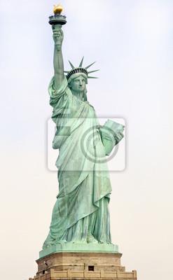 Постер Города и карты Статуя Свободы в Нью-Йорке, 20x32 см, на бумагеНью-Йорк<br>Постер на холсте или бумаге. Любого нужного вам размера. В раме или без. Подвес в комплекте. Трехслойная надежная упаковка. Доставим в любую точку России. Вам осталось только повесить картину на стену!<br>