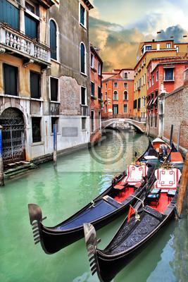 Постер Венеция Красивый городской пейзаж ВенецииВенеция<br>Постер на холсте или бумаге. Любого нужного вам размера. В раме или без. Подвес в комплекте. Трехслойная надежная упаковка. Доставим в любую точку России. Вам осталось только повесить картину на стену!<br>