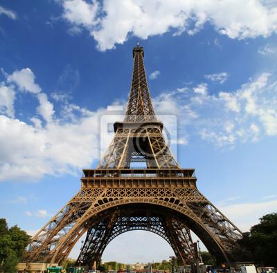 Постер Города и карты Париж, Эйфелева Башня во Франции, 20x20 см, на бумагеПариж<br>Постер на холсте или бумаге. Любого нужного вам размера. В раме или без. Подвес в комплекте. Трехслойная надежная упаковка. Доставим в любую точку России. Вам осталось только повесить картину на стену!<br>