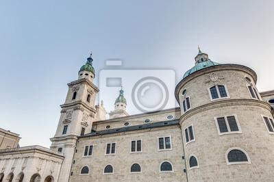 Постер Зальцбург Зальцбургский собор (Salzburger Dom) в Зальцбург, АвстрияЗальцбург<br>Постер на холсте или бумаге. Любого нужного вам размера. В раме или без. Подвес в комплекте. Трехслойная надежная упаковка. Доставим в любую точку России. Вам осталось только повесить картину на стену!<br>