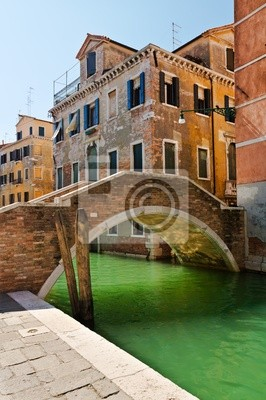 Постер Города и карты Вид на мост - Венеция, 20x30 см, на бумагеВенеция<br>Постер на холсте или бумаге. Любого нужного вам размера. В раме или без. Подвес в комплекте. Трехслойная надежная упаковка. Доставим в любую точку России. Вам осталось только повесить картину на стену!<br>