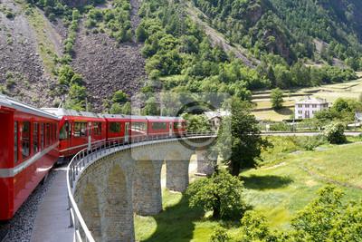 Постер Альпийский пейзаж Швейцарский горный поезд Экспресс БернинаАльпийский пейзаж<br>Постер на холсте или бумаге. Любого нужного вам размера. В раме или без. Подвес в комплекте. Трехслойная надежная упаковка. Доставим в любую точку России. Вам осталось только повесить картину на стену!<br>