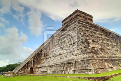 Постер Мехико Кукулькан пирамиды в Чичен-ице, МексикаМехико<br>Постер на холсте или бумаге. Любого нужного вам размера. В раме или без. Подвес в комплекте. Трехслойная надежная упаковка. Доставим в любую точку России. Вам осталось только повесить картину на стену!<br>