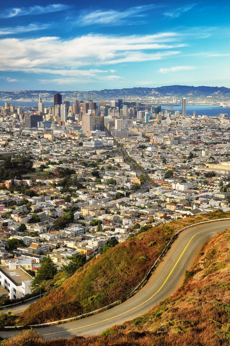 Постер Сан-Франциско Сан-Франциско вид из Твин пиксСан-Франциско<br>Постер на холсте или бумаге. Любого нужного вам размера. В раме или без. Подвес в комплекте. Трехслойная надежная упаковка. Доставим в любую точку России. Вам осталось только повесить картину на стену!<br>