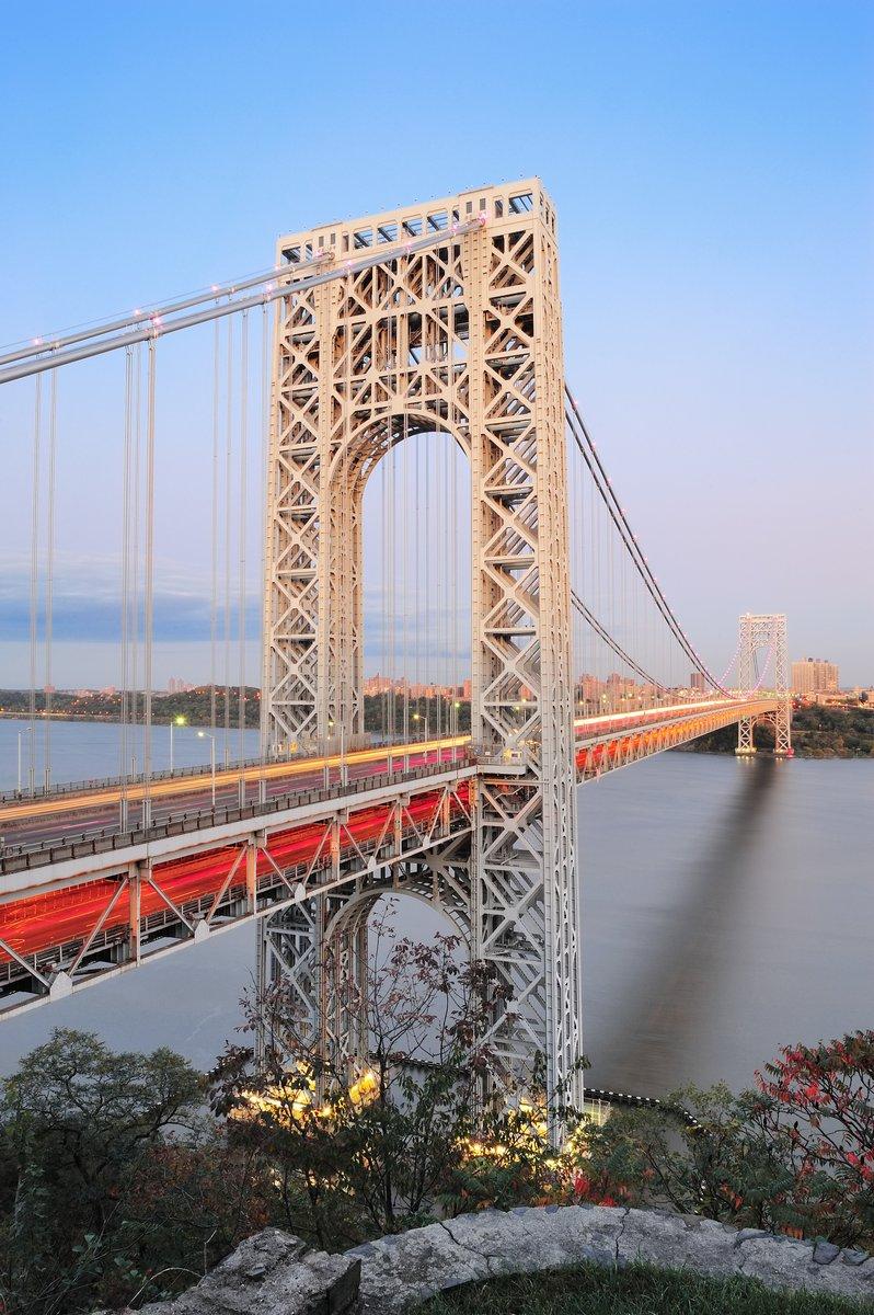 Постер Нью-Йорк Мост Джорджа ВашингтонаНью-Йорк<br>Постер на холсте или бумаге. Любого нужного вам размера. В раме или без. Подвес в комплекте. Трехслойная надежная упаковка. Доставим в любую точку России. Вам осталось только повесить картину на стену!<br>