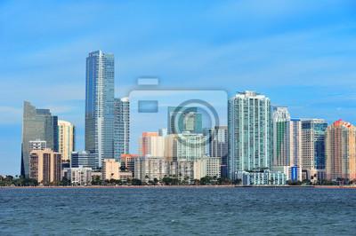 Постер Майами Майами городской архитектурыМайами<br>Постер на холсте или бумаге. Любого нужного вам размера. В раме или без. Подвес в комплекте. Трехслойная надежная упаковка. Доставим в любую точку России. Вам осталось только повесить картину на стену!<br>