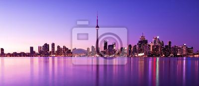 Постер Торонто Сцена из Торонто skyline от центрального Острова, 46x20 см, на бумагеТоронто<br>Постер на холсте или бумаге. Любого нужного вам размера. В раме или без. Подвес в комплекте. Трехслойная надежная упаковка. Доставим в любую точку России. Вам осталось только повесить картину на стену!<br>