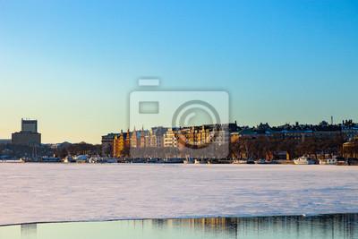 Постер Стокгольм Замороженный город Стокгольм, Швеция.Стокгольм<br>Постер на холсте или бумаге. Любого нужного вам размера. В раме или без. Подвес в комплекте. Трехслойная надежная упаковка. Доставим в любую точку России. Вам осталось только повесить картину на стену!<br>