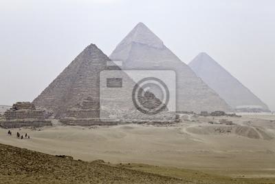 Великие пирамиды Гизы, 30x20 см, на бумагеЕгипетские пирамиды<br>Постер на холсте или бумаге. Любого нужного вам размера. В раме или без. Подвес в комплекте. Трехслойная надежная упаковка. Доставим в любую точку России. Вам осталось только повесить картину на стену!<br>