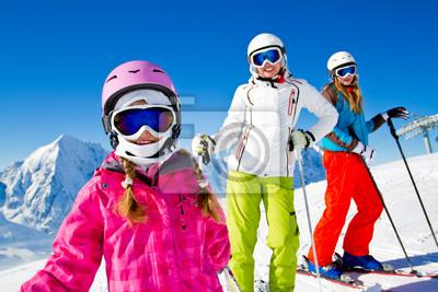 Постер Горные лыжи Лыжи, зима, - лыжников на горуГорные лыжи<br>Постер на холсте или бумаге. Любого нужного вам размера. В раме или без. Подвес в комплекте. Трехслойная надежная упаковка. Доставим в любую точку России. Вам осталось только повесить картину на стену!<br>