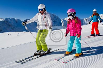 Постер Спорт Постер 45261590, 30x20 см, на бумагеГорные лыжи<br>Постер на холсте или бумаге. Любого нужного вам размера. В раме или без. Подвес в комплекте. Трехслойная надежная упаковка. Доставим в любую точку России. Вам осталось только повесить картину на стену!<br>