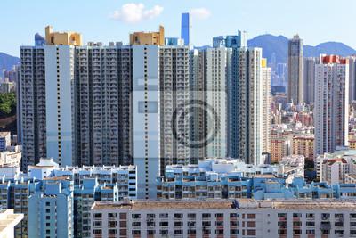 Постер Гонконг Жилое здание в ГонконгеГонконг<br>Постер на холсте или бумаге. Любого нужного вам размера. В раме или без. Подвес в комплекте. Трехслойная надежная упаковка. Доставим в любую точку России. Вам осталось только повесить картину на стену!<br>