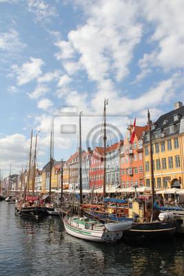 Постер Копенгаген Neuer Hafen Копенгаген - NyhavnКопенгаген<br>Постер на холсте или бумаге. Любого нужного вам размера. В раме или без. Подвес в комплекте. Трехслойная надежная упаковка. Доставим в любую точку России. Вам осталось только повесить картину на стену!<br>