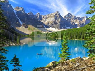 Постер Канада Яркий hues Озера, Морены в Национальном парке Банф, КанадаКанада<br>Постер на холсте или бумаге. Любого нужного вам размера. В раме или без. Подвес в комплекте. Трехслойная надежная упаковка. Доставим в любую точку России. Вам осталось только повесить картину на стену!<br>