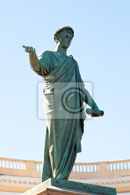 Постер Одесса Дюк-де-Ришелье памятник в ОдессеОдесса<br>Постер на холсте или бумаге. Любого нужного вам размера. В раме или без. Подвес в комплекте. Трехслойная надежная упаковка. Доставим в любую точку России. Вам осталось только повесить картину на стену!<br>