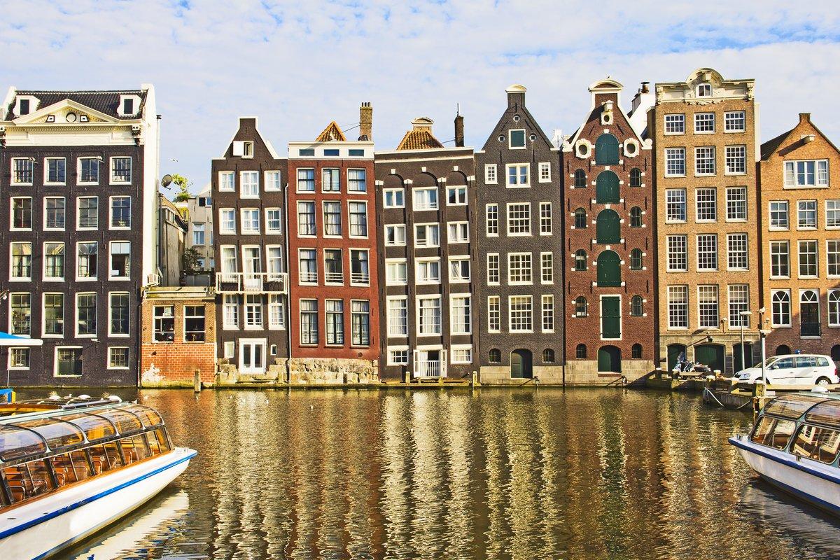 Постер Амстердам Амстердам каналАмстердам<br>Постер на холсте или бумаге. Любого нужного вам размера. В раме или без. Подвес в комплекте. Трехслойная надежная упаковка. Доставим в любую точку России. Вам осталось только повесить картину на стену!<br>