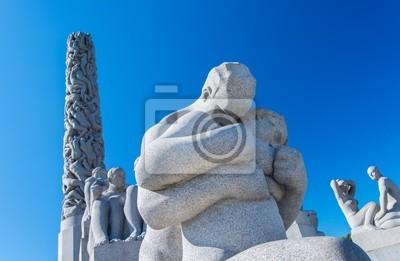 Постер Осло Статуи на Frogner Park, Осло, НорвегияОсло<br>Постер на холсте или бумаге. Любого нужного вам размера. В раме или без. Подвес в комплекте. Трехслойная надежная упаковка. Доставим в любую точку России. Вам осталось только повесить картину на стену!<br>