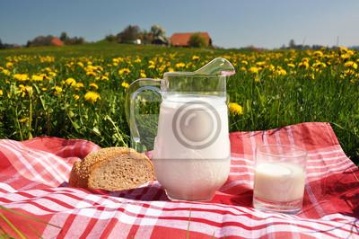 Постер Одуванчики Кувшин молока и хлеба на весенний луг. Эмменталь область, ИСПОдуванчики<br>Постер на холсте или бумаге. Любого нужного вам размера. В раме или без. Подвес в комплекте. Трехслойная надежная упаковка. Доставим в любую точку России. Вам осталось только повесить картину на стену!<br>