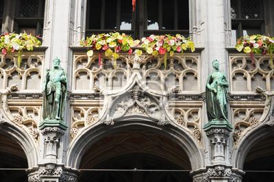 Постер Брюссель Описание неоготическом стиле, фасад исторического зданияБрюссель<br>Постер на холсте или бумаге. Любого нужного вам размера. В раме или без. Подвес в комплекте. Трехслойная надежная упаковка. Доставим в любую точку России. Вам осталось только повесить картину на стену!<br>