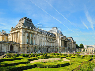 Постер Брюссель Королевский дворец вид из Place des PalaisБрюссель<br>Постер на холсте или бумаге. Любого нужного вам размера. В раме или без. Подвес в комплекте. Трехслойная надежная упаковка. Доставим в любую точку России. Вам осталось только повесить картину на стену!<br>