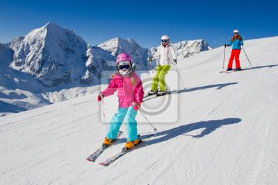 Постер Горные лыжи Лыжи, зима, лыжи урок - лыжников на горуГорные лыжи<br>Постер на холсте или бумаге. Любого нужного вам размера. В раме или без. Подвес в комплекте. Трехслойная надежная упаковка. Доставим в любую точку России. Вам осталось только повесить картину на стену!<br>