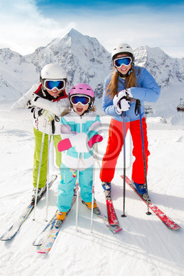 Постер Спорт Постер 45599475, 20x30 см, на бумагеГорные лыжи<br>Постер на холсте или бумаге. Любого нужного вам размера. В раме или без. Подвес в комплекте. Трехслойная надежная упаковка. Доставим в любую точку России. Вам осталось только повесить картину на стену!<br>