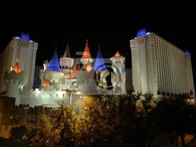 Постер Лас-Вегас Hotel &amp; Casino в Лас-ВегасеЛас-Вегас<br>Постер на холсте или бумаге. Любого нужного вам размера. В раме или без. Подвес в комплекте. Трехслойная надежная упаковка. Доставим в любую точку России. Вам осталось только повесить картину на стену!<br>