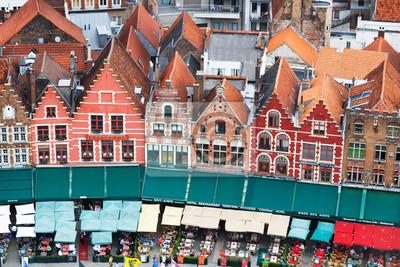 Постер Бельгия Крыши фламандский Домов в Брюгге, БельгияБельгия<br>Постер на холсте или бумаге. Любого нужного вам размера. В раме или без. Подвес в комплекте. Трехслойная надежная упаковка. Доставим в любую точку России. Вам осталось только повесить картину на стену!<br>