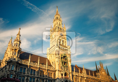 Постер Мюнхен New Town Hall в МюнхенМюнхен<br>Постер на холсте или бумаге. Любого нужного вам размера. В раме или без. Подвес в комплекте. Трехслойная надежная упаковка. Доставим в любую точку России. Вам осталось только повесить картину на стену!<br>