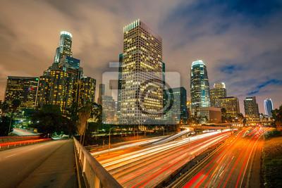 Постер Лос-Анджелес Лос-Анджелес ночьюЛос-Анджелес<br>Постер на холсте или бумаге. Любого нужного вам размера. В раме или без. Подвес в комплекте. Трехслойная надежная упаковка. Доставим в любую точку России. Вам осталось только повесить картину на стену!<br>