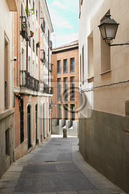 Постер Города и карты Down town arquitecture, Мадрид, Испания, 20x30 см, на бумагеМадрид<br>Постер на холсте или бумаге. Любого нужного вам размера. В раме или без. Подвес в комплекте. Трехслойная надежная упаковка. Доставим в любую точку России. Вам осталось только повесить картину на стену!<br>