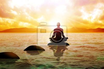 Мужчина рис. медитации на спокойной воде в течение sunrise, 30x20 см, на бумагеМедитация<br>Постер на холсте или бумаге. Любого нужного вам размера. В раме или без. Подвес в комплекте. Трехслойная надежная упаковка. Доставим в любую точку России. Вам осталось только повесить картину на стену!<br>