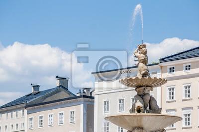 Постер Зальцбург Residenzbrunnen фонтан на резиденсплац в Зальцбург, АвстрияЗальцбург<br>Постер на холсте или бумаге. Любого нужного вам размера. В раме или без. Подвес в комплекте. Трехслойная надежная упаковка. Доставим в любую точку России. Вам осталось только повесить картину на стену!<br>
